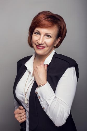 Oksana (kosmetologė)